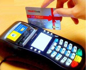 Rút tiền từ thẻ tín dụng nhanh chóng chi phí thấp tại tphcm